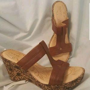 Born t-strap floral cork wedge sandals 9 M brown